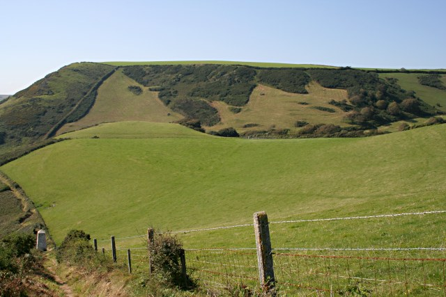 East Coombe - geograph.org.uk - 534971