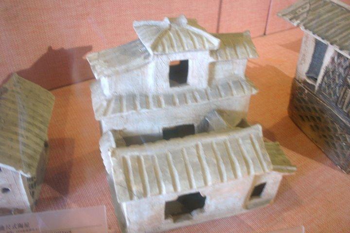 File:Eastern Han pottery house.JPG