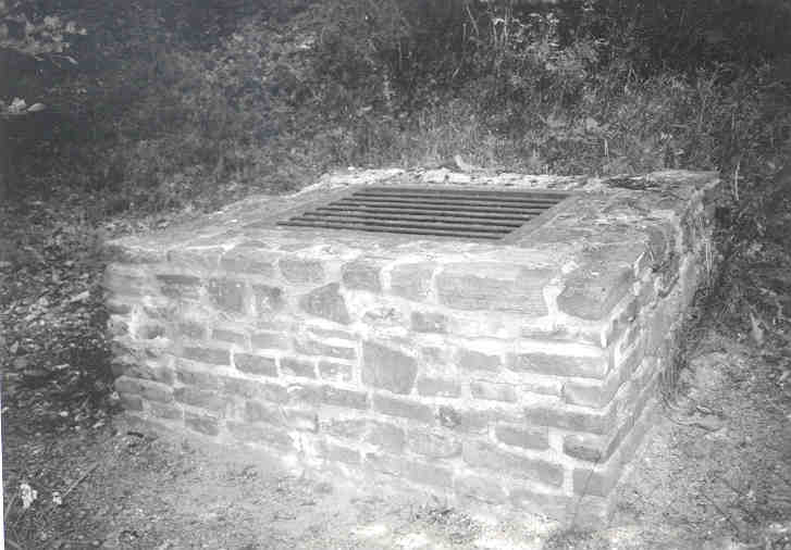 File:Eifelwasserleitung03.jpg