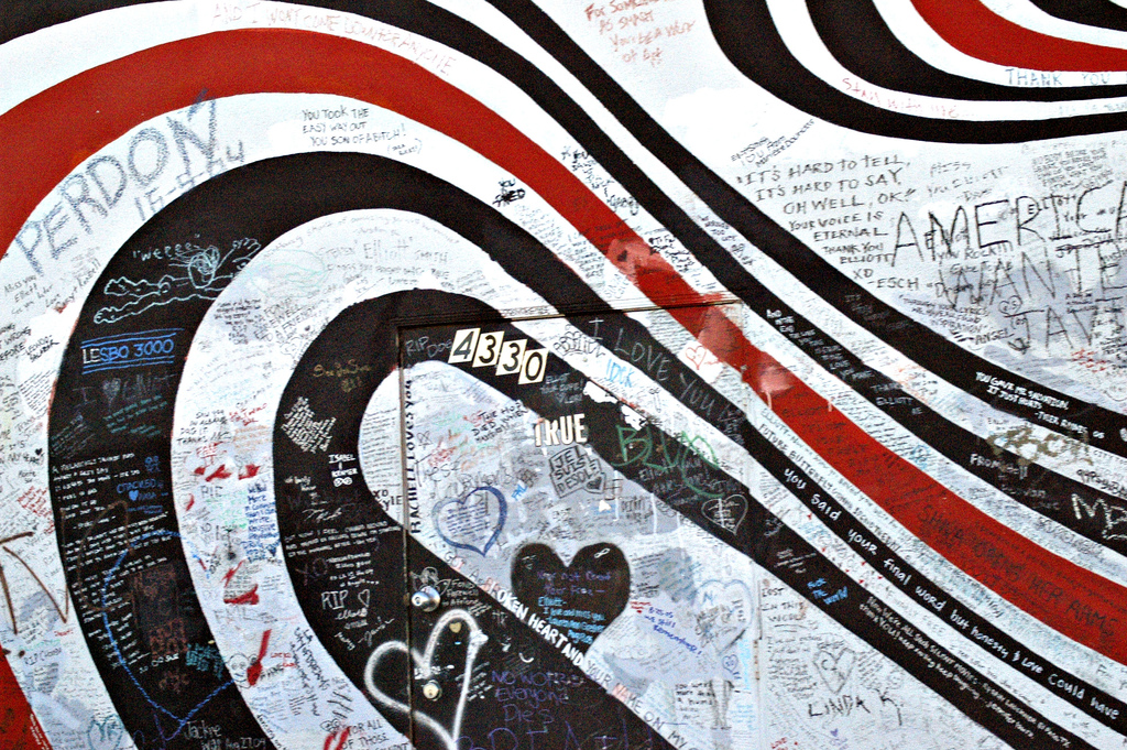 Elliott Smith Memorial Wall (Wikipedia)