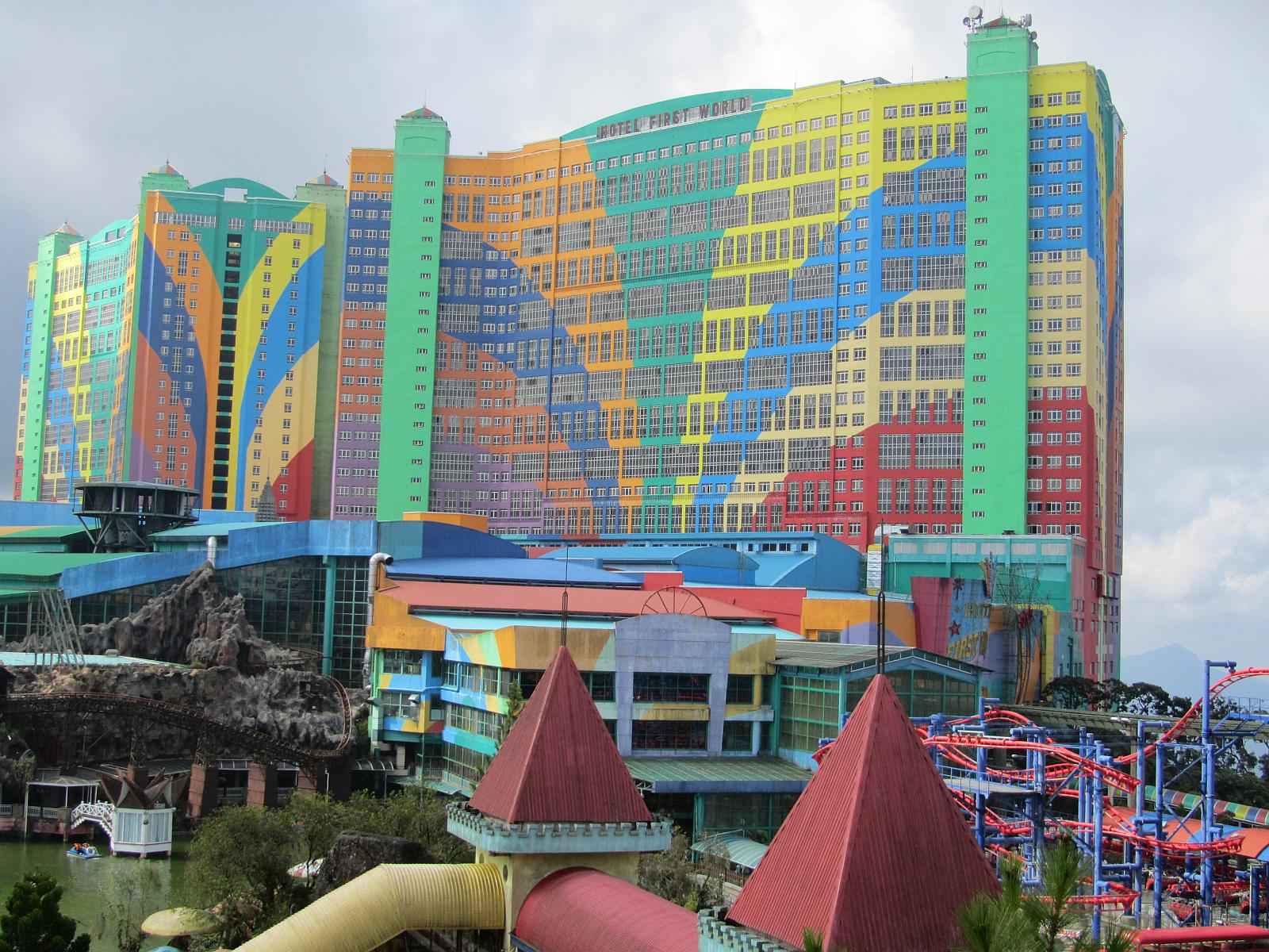 hotel world resort