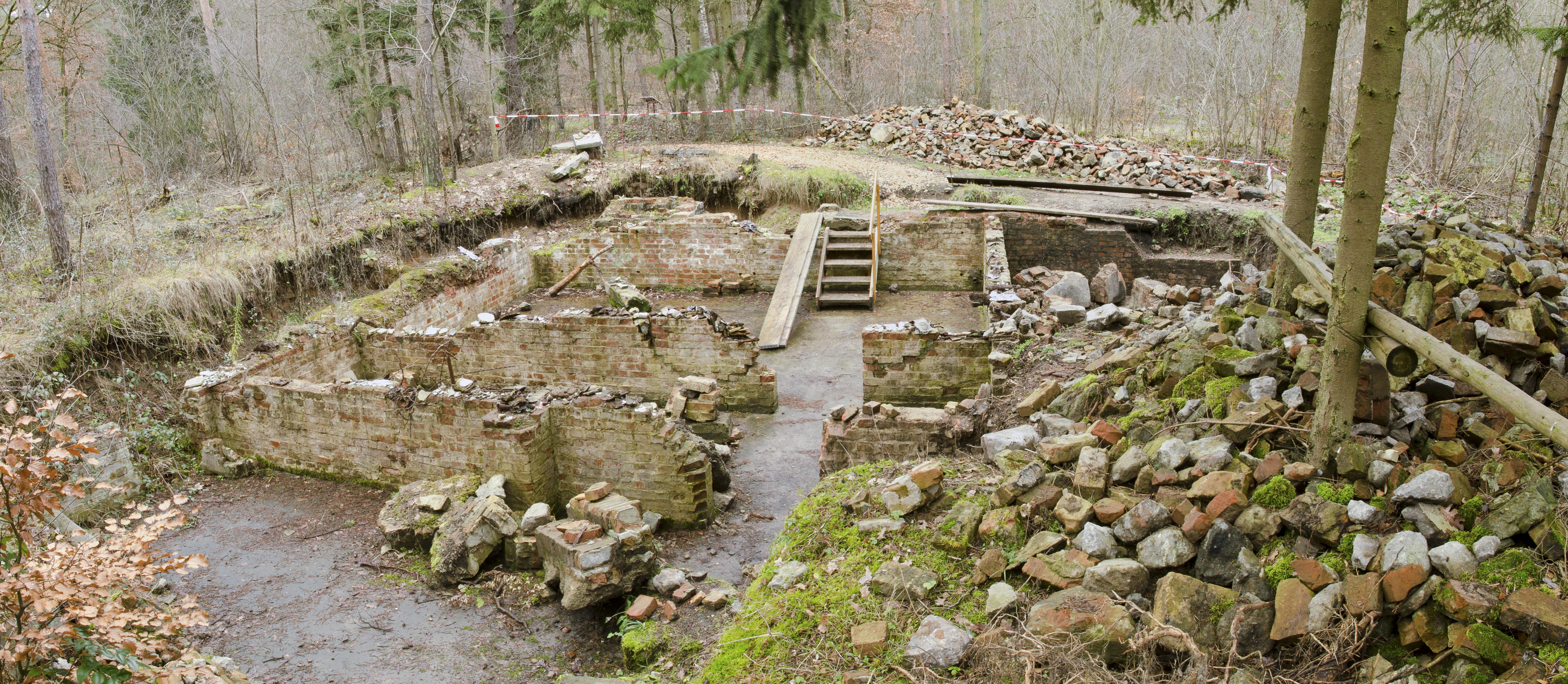 File:Former cellar of kitchen barrack - Nazi labour camp Walldorf ...