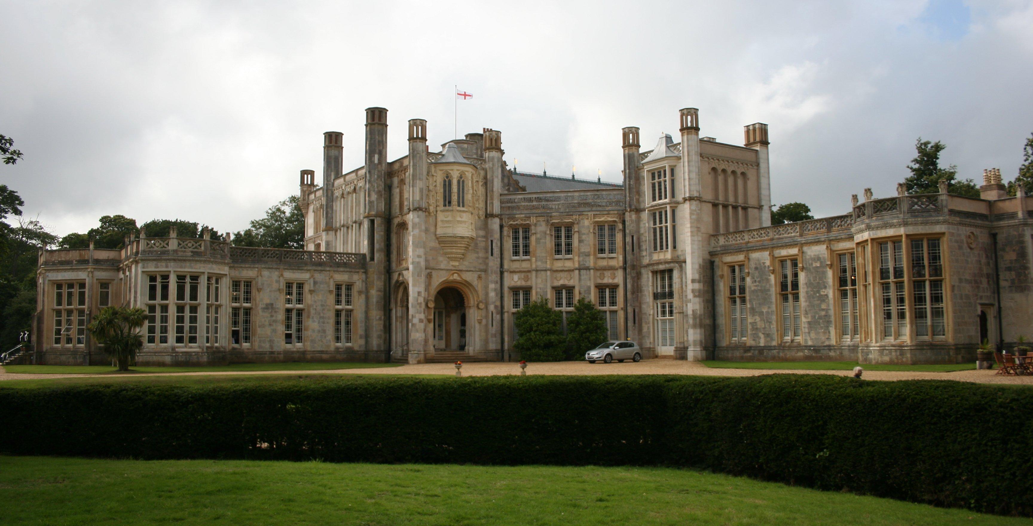 File:Highcliffe Castle 1.jpg - Wikimedia Commons
