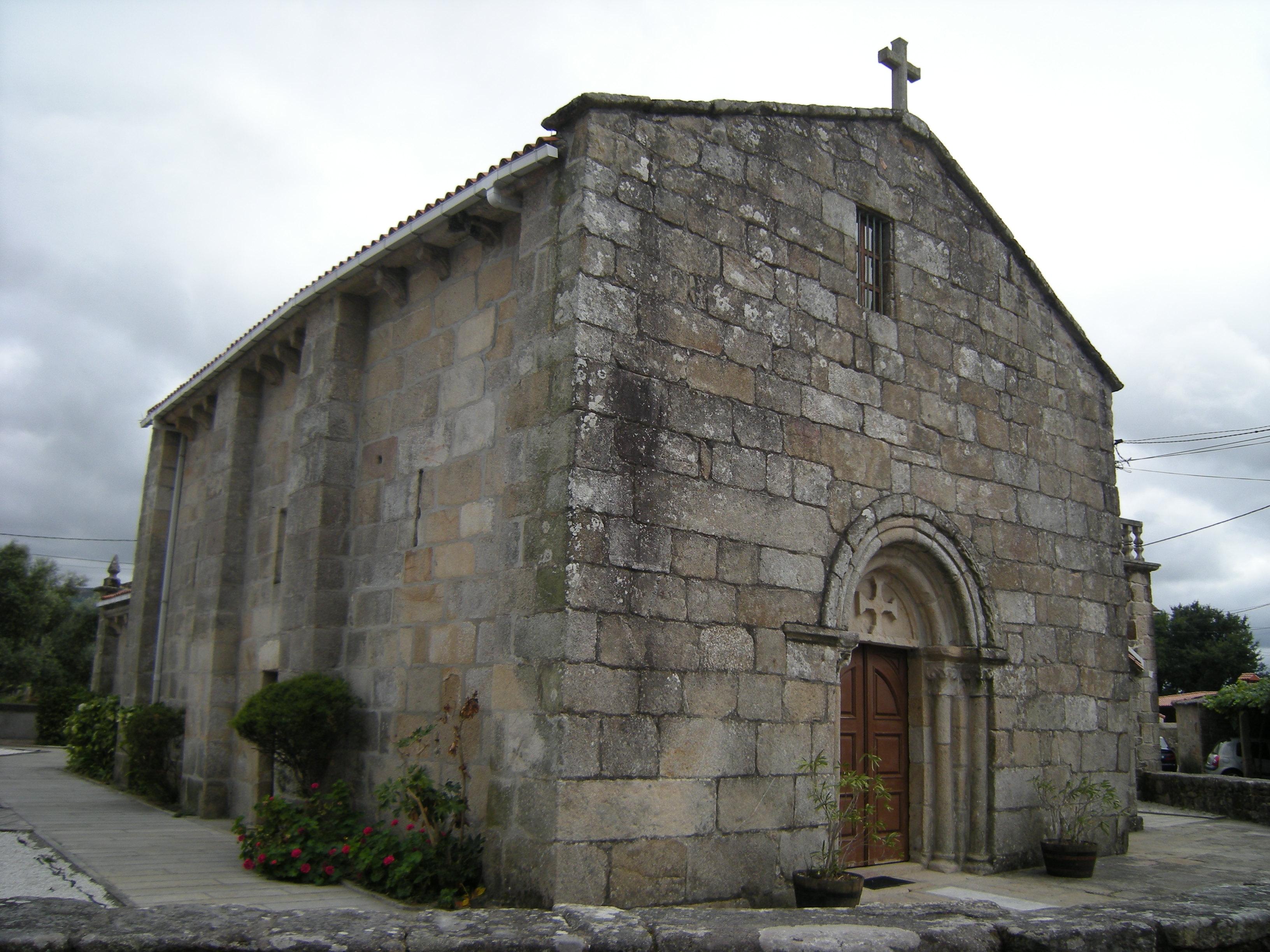 http://upload.wikimedia.org/wikipedia/commons/7/7c/Igrexa_de_Santa_Cristina_de_Campa%C3%B1a,_Valga.jpg