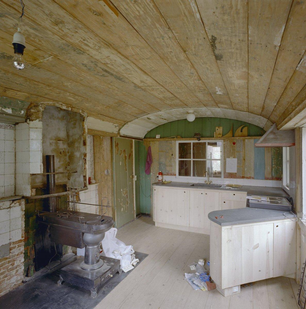 Keuken Kind Hout : Description Int.overzicht keuken, houten plafond – Zaandam – 20002187