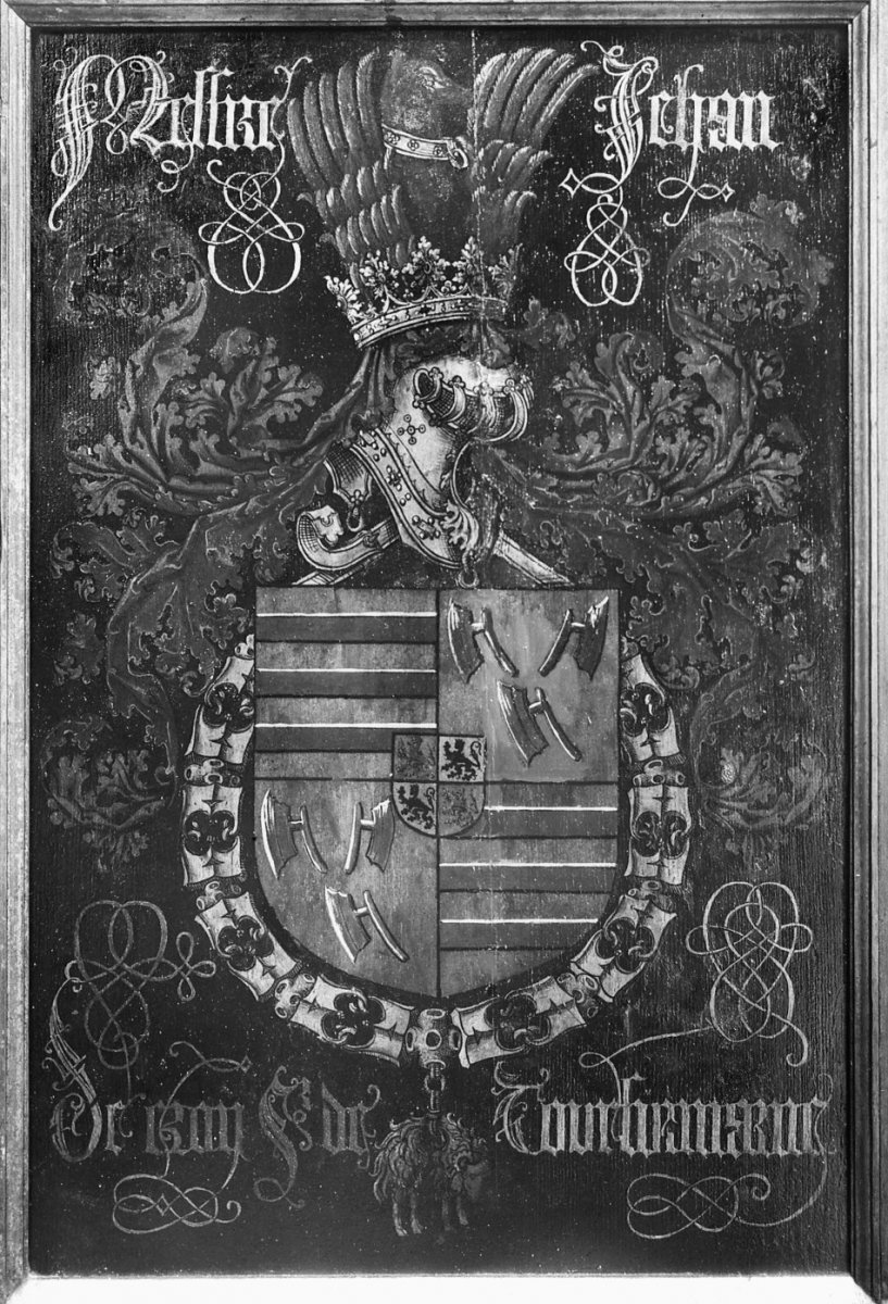 file interieur priesterkoor wapenbord ridder gulden vlies