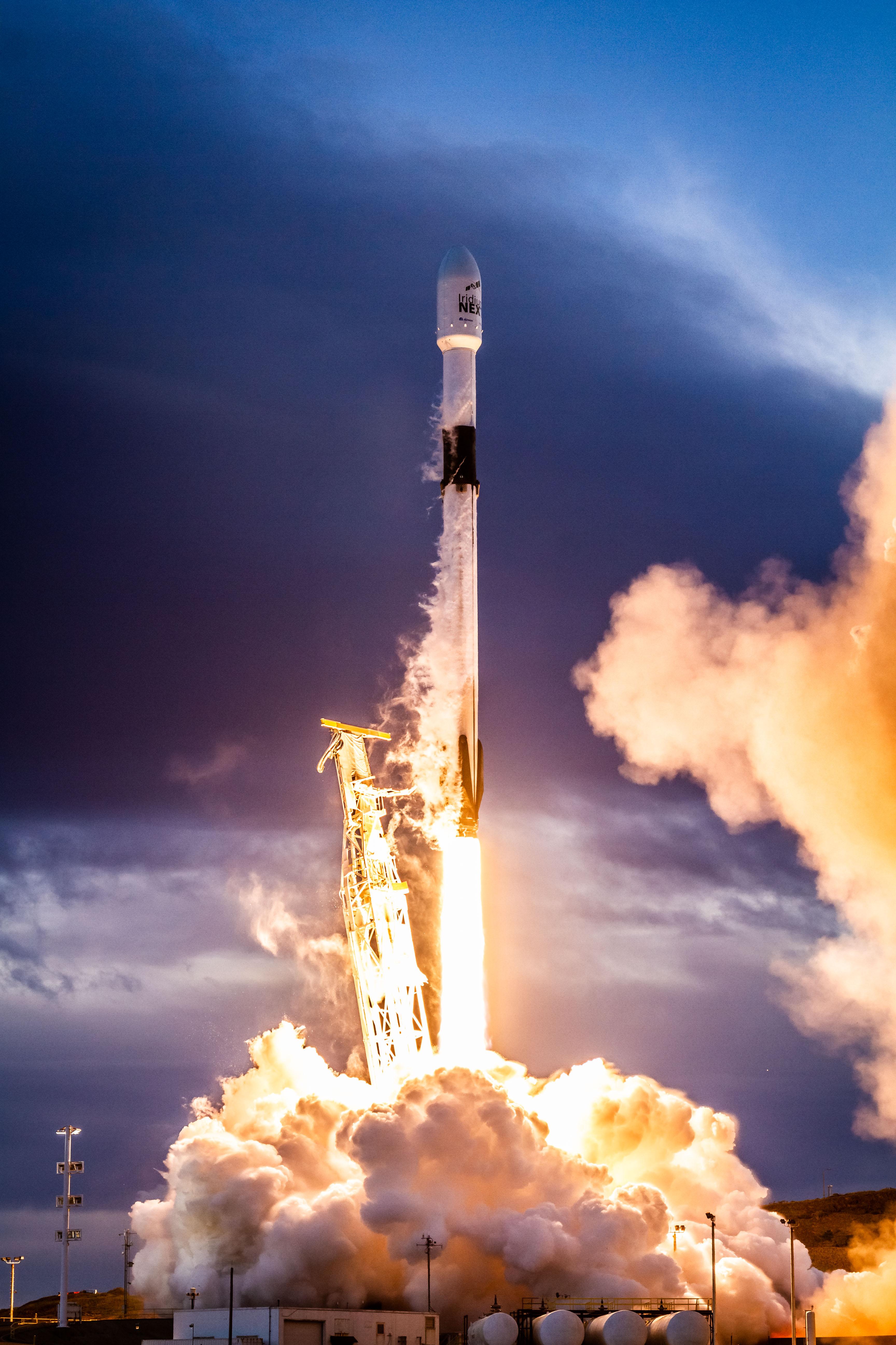 Seed Launching Pad >> Falcon 9 Wikipedia