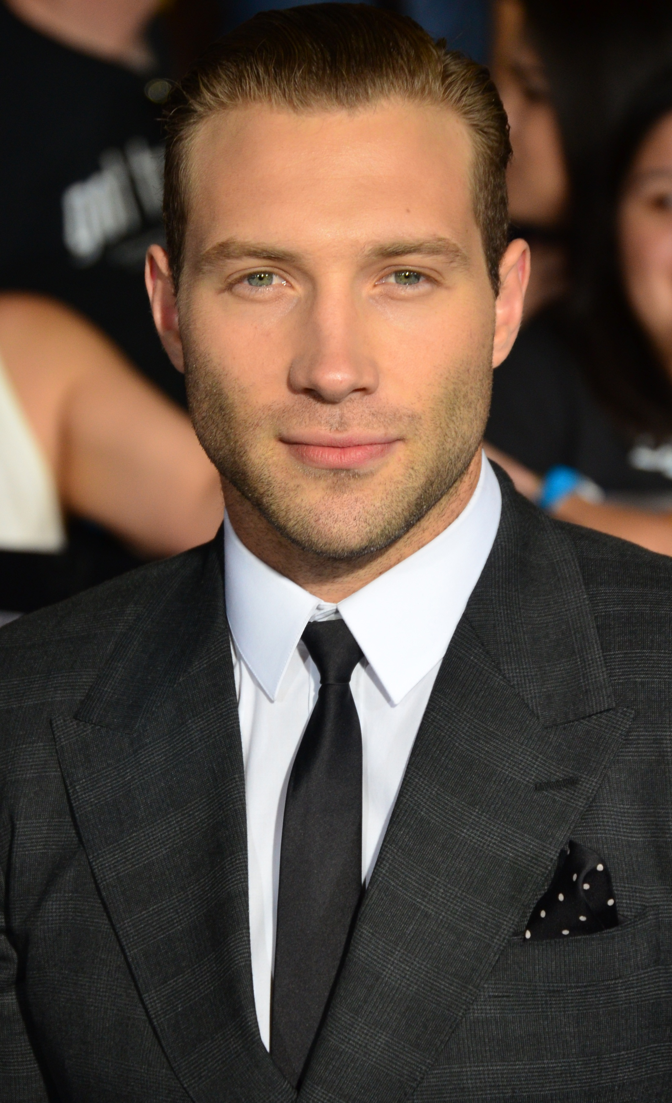The 32-year old son of father Chris Courtney and mother Karen Courtney, 185 cm tall Jai Courtney in 2018 photo