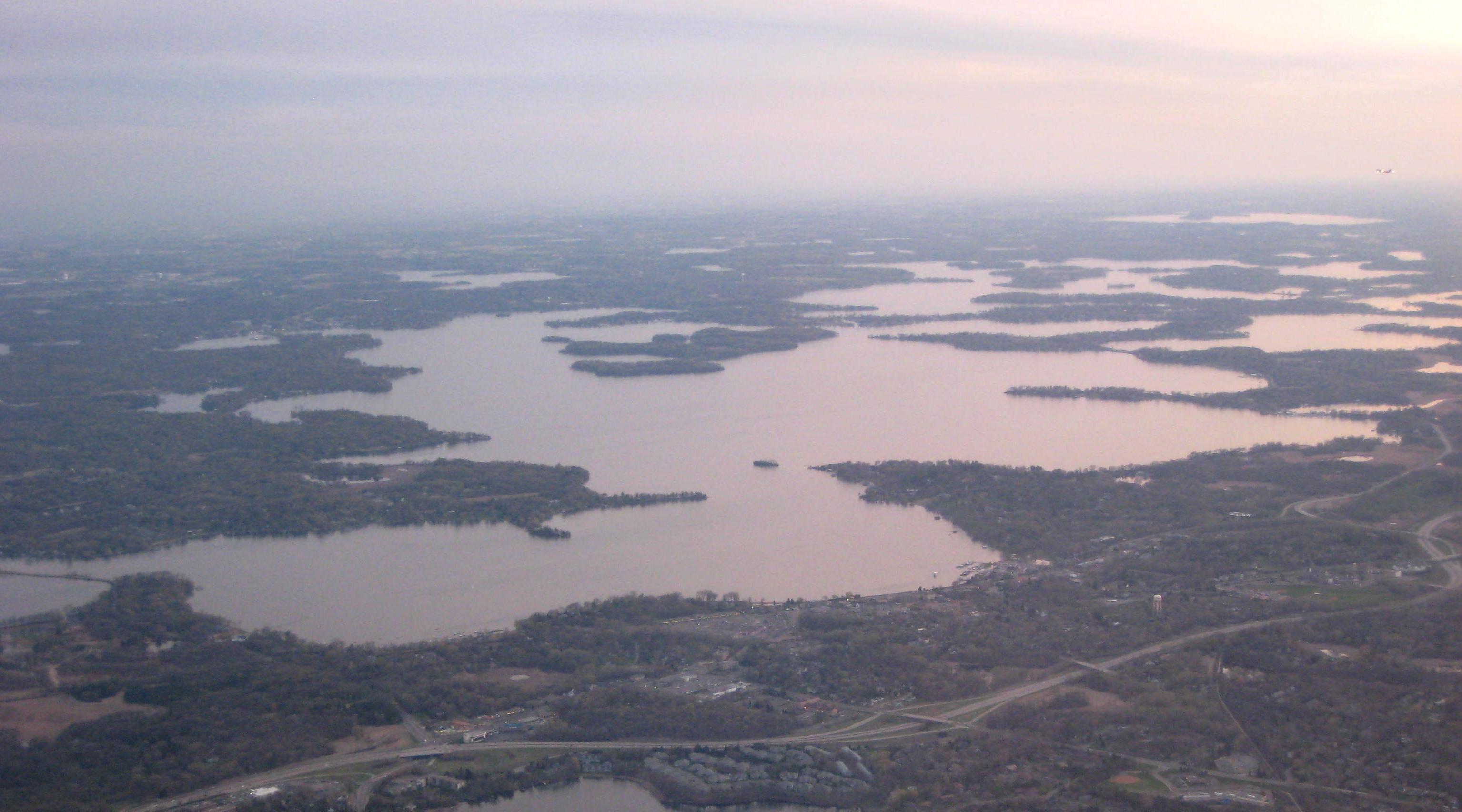 [Image: Lake_Minnetonka_aerial.jpg]