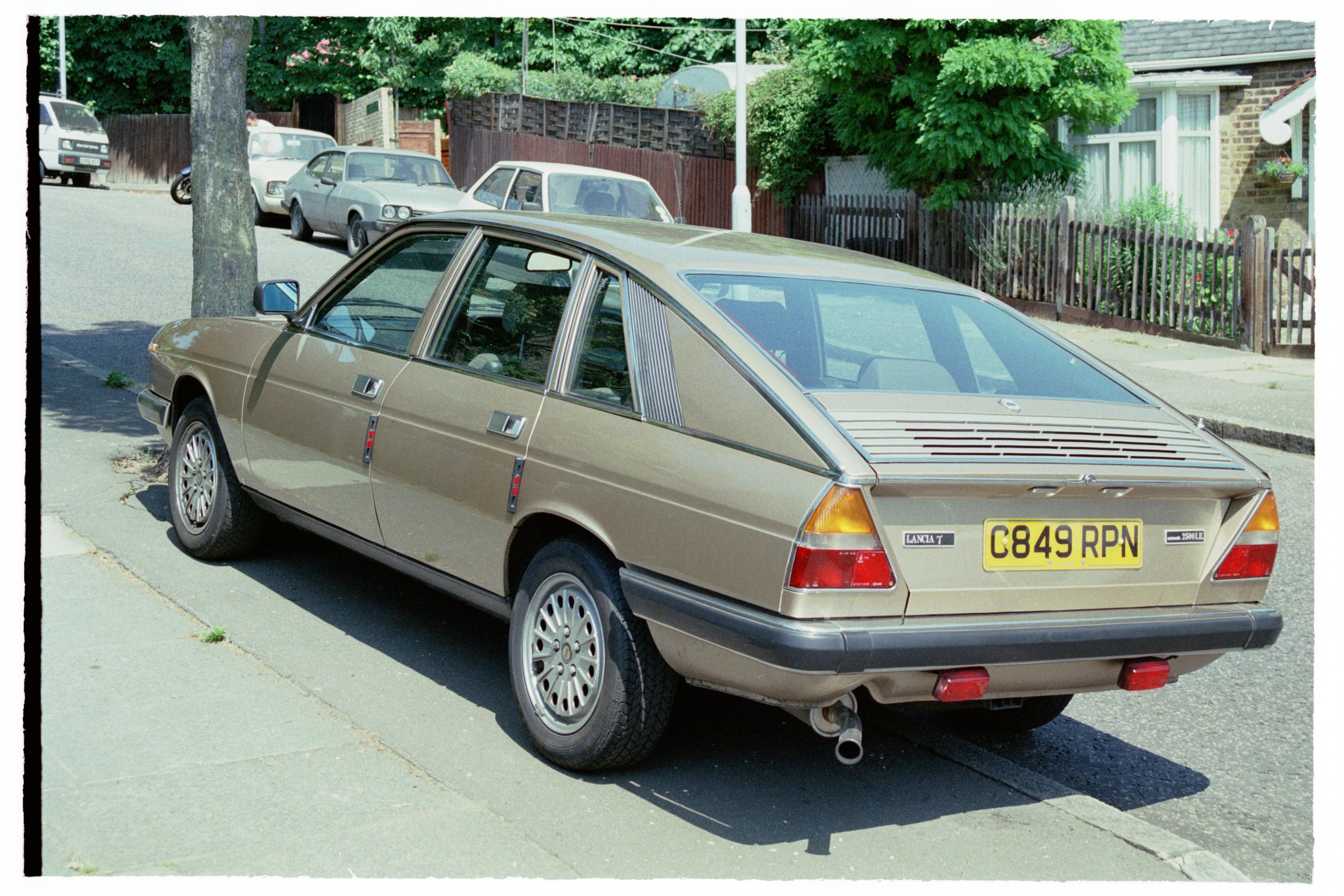 Lancia gamma coupe