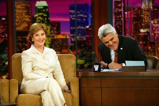 Ficheru:Laura Bush on The Tonight Show.jpg