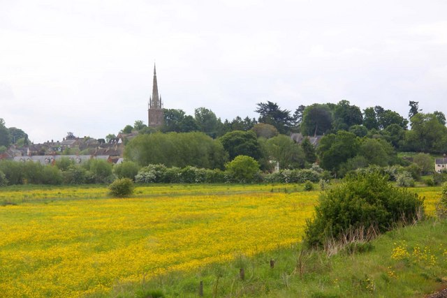 Looking across a field to Kings Sutton - geograph.org.uk - 1334872