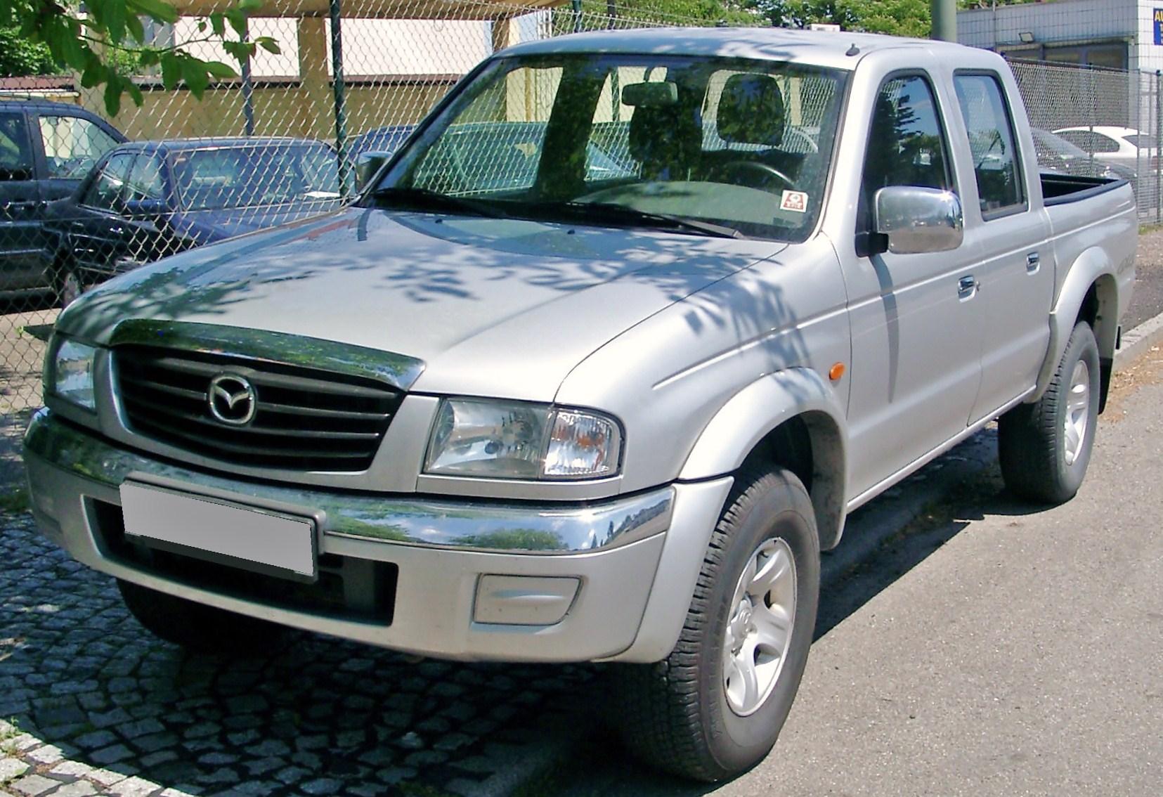 https://upload.wikimedia.org/wikipedia/commons/7/7c/Mazda_B2500_front_20080612.jpg