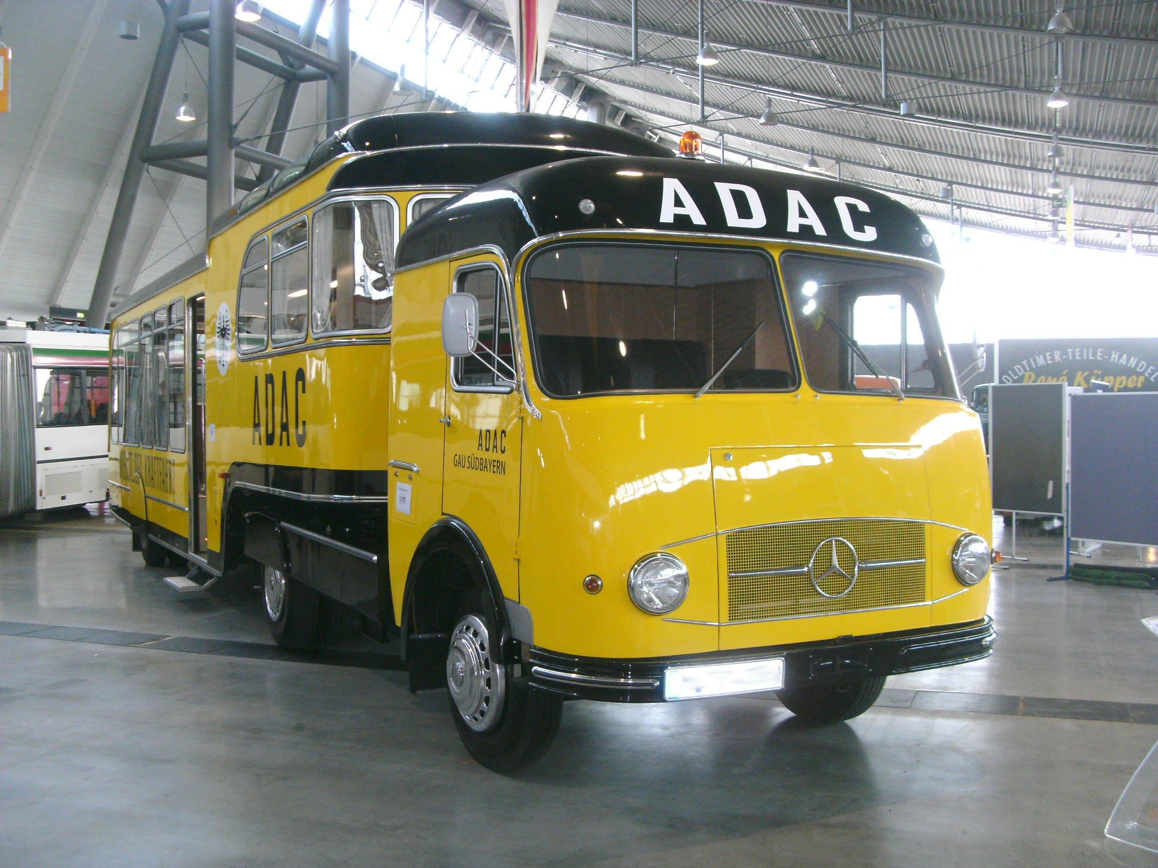 Datei:Mercedes-Benz LPS 328 (1962, 110 PS).jpg – Wikipedia