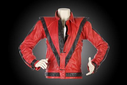 Chaqueta del videoclip Thriller vendida por 1,8 millones de dólares.