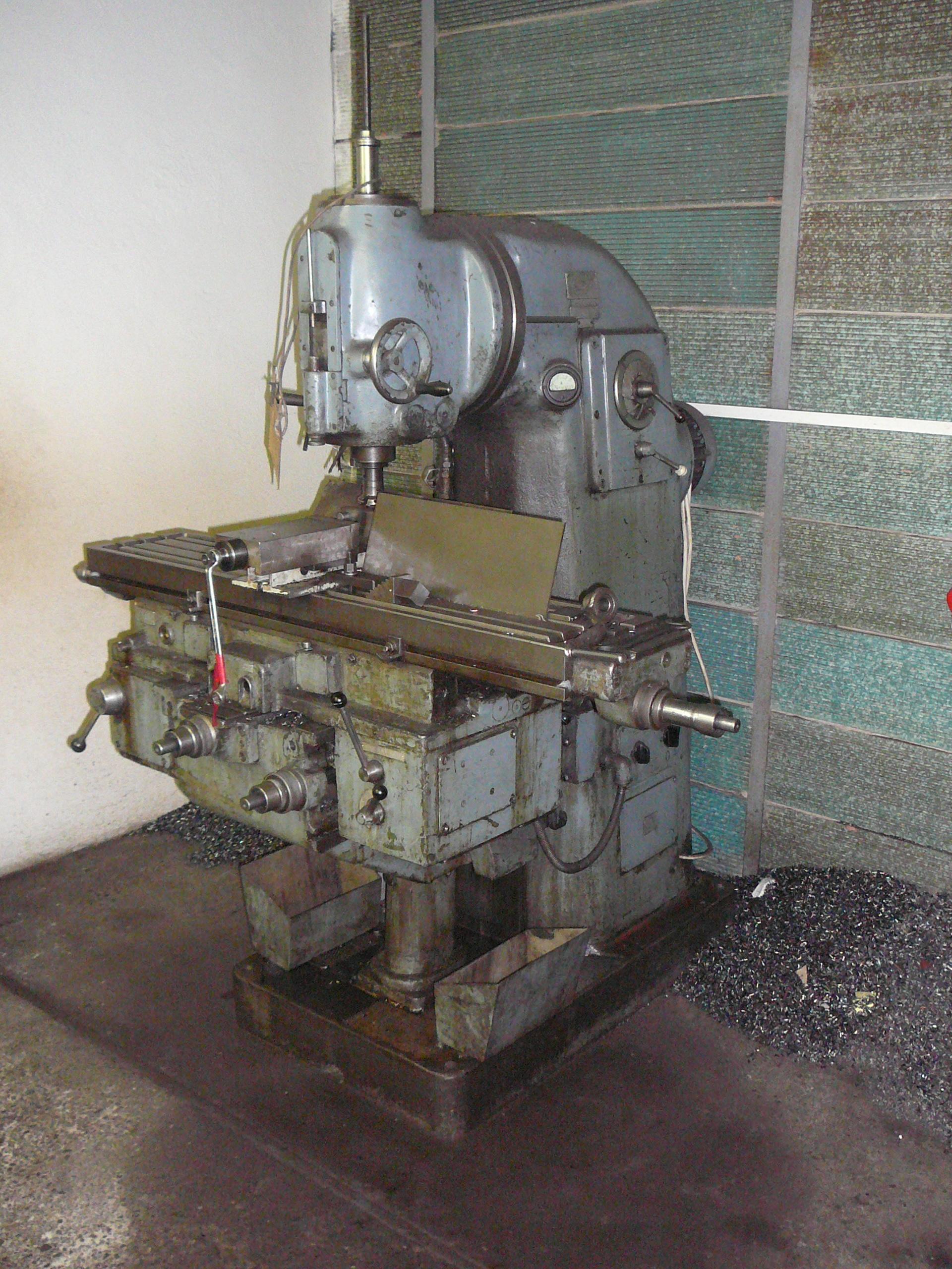 Using the milling machine