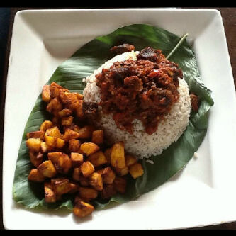 Ofada rise with fried plantain and beaf
