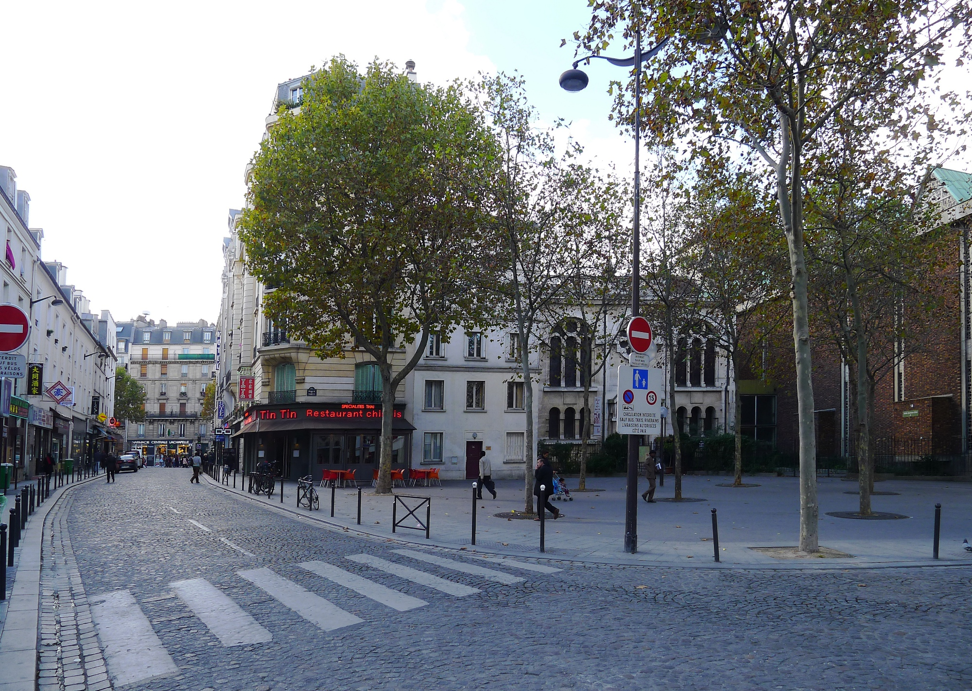 FileP1060155 Paris XVIII rue et place de Torcy rwk.jpg - Wikimedia Commons