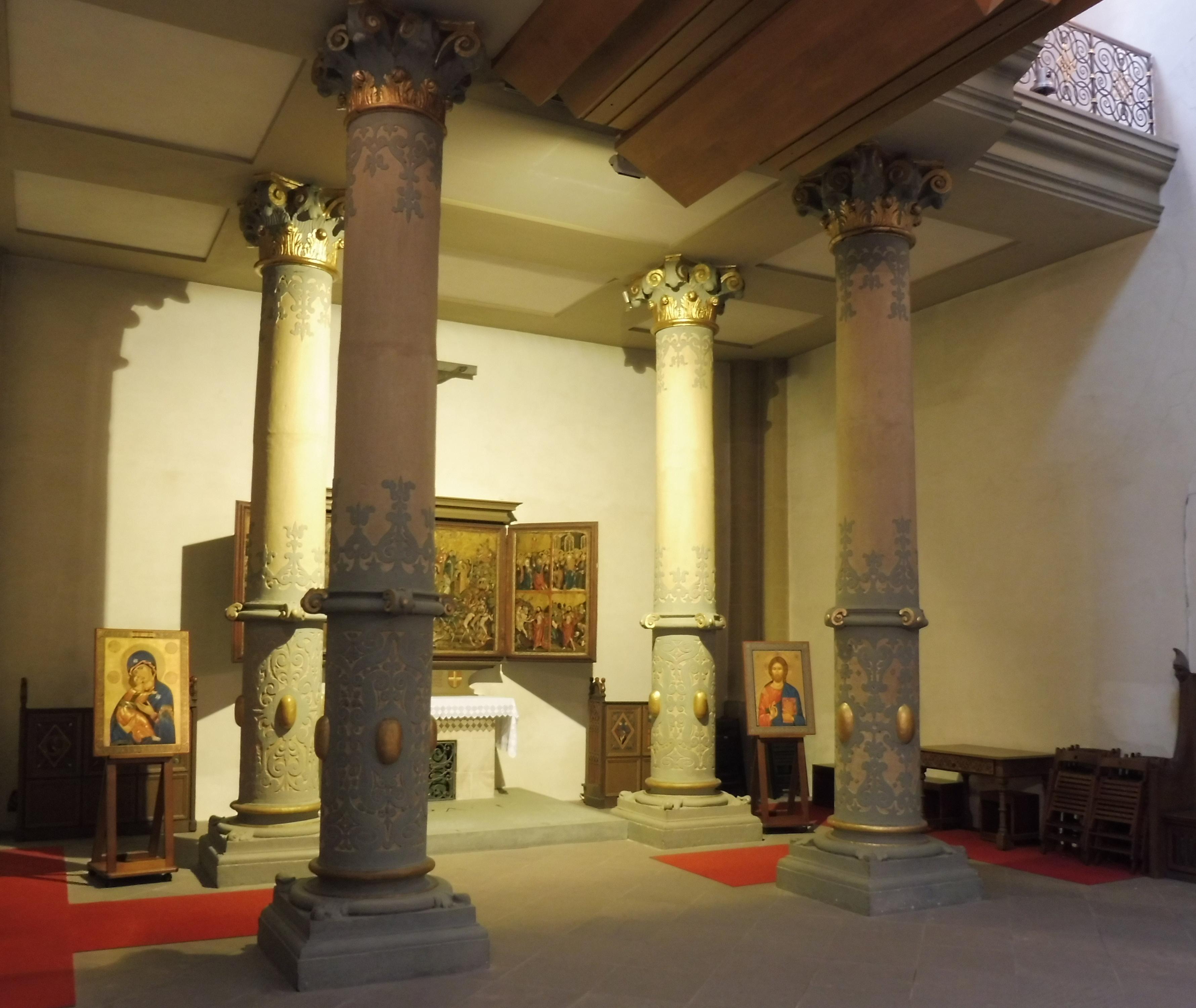 Datei:Paderborn - Dom, Säulen unter der Orgel jpg – Wikipedia