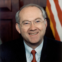 Phil Gramm American economist and politician