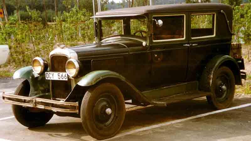 File pontiac new series 6 28 8230 4 door sport sedan for 1930 pontiac 4 door sedan