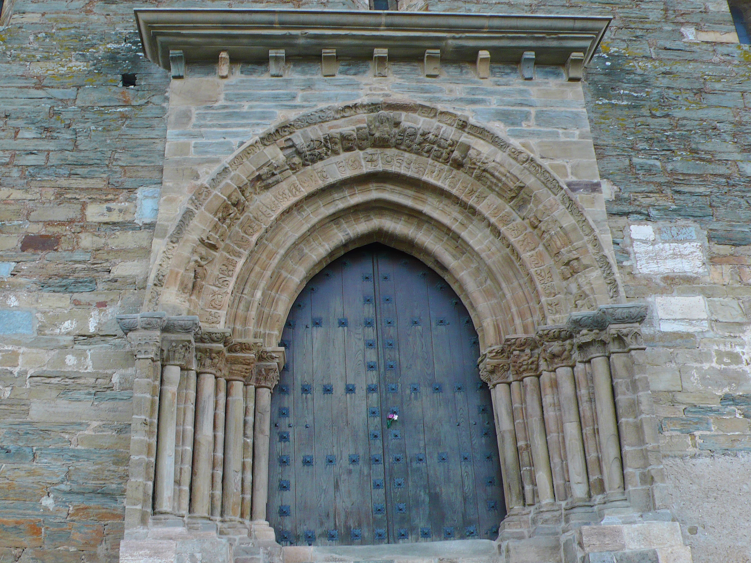 Risultati immagini per puerta del perdon villafranca del bierzo
