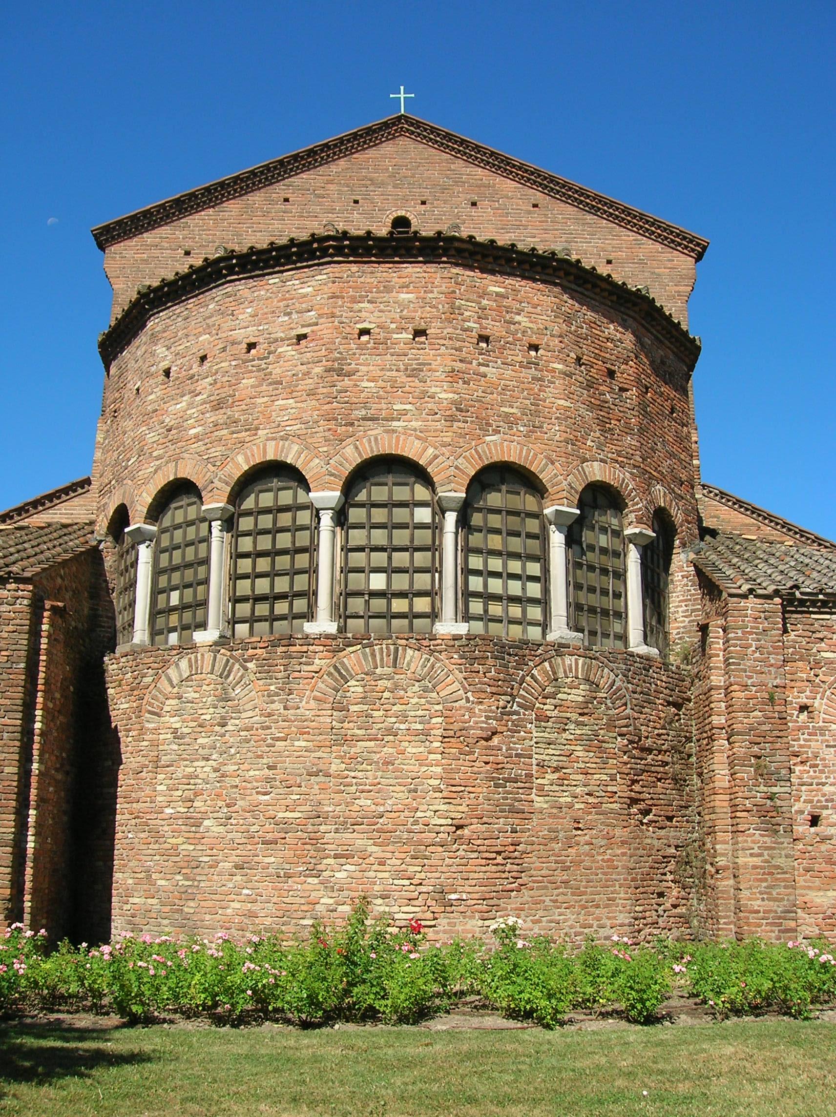 Ravenna-San Giovanni Evangelista 09.jpg