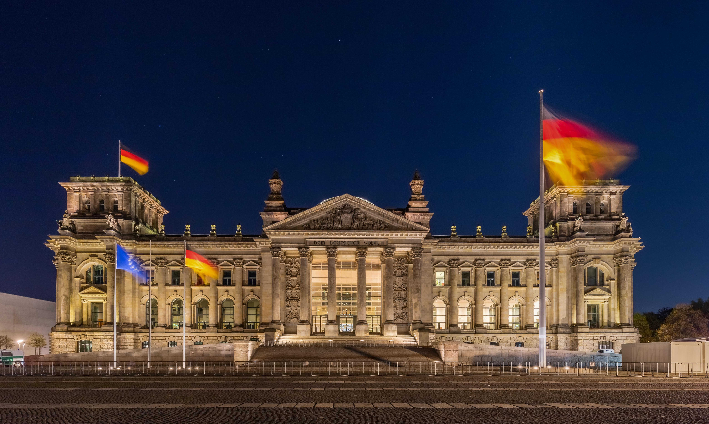 Reichstag de noche, Berlín, Alemania,