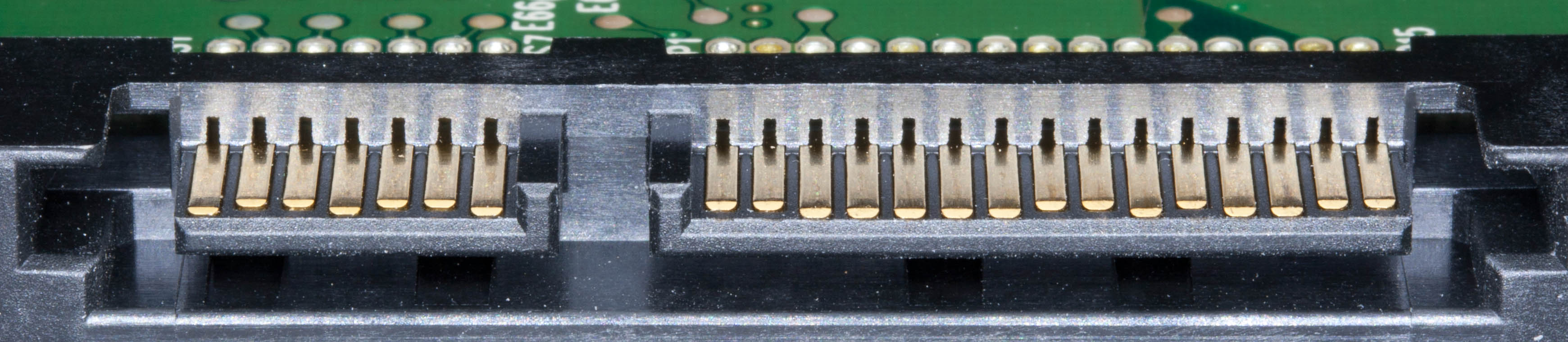 7 pins, a gap, then 15 pins