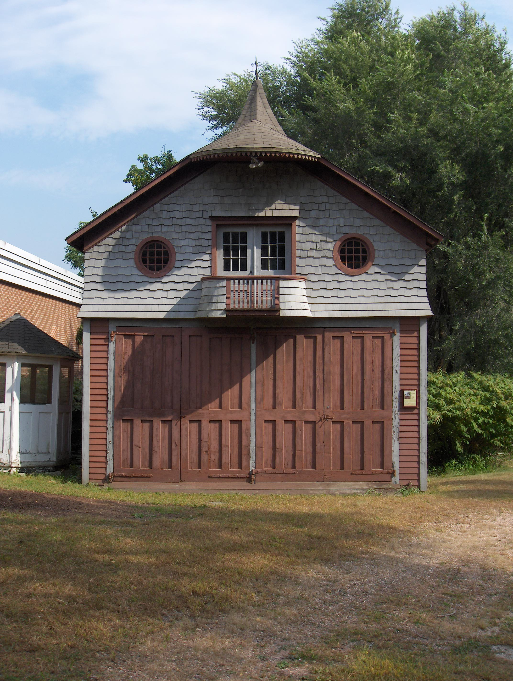 File shs carriage house jpg for Building a carriage house