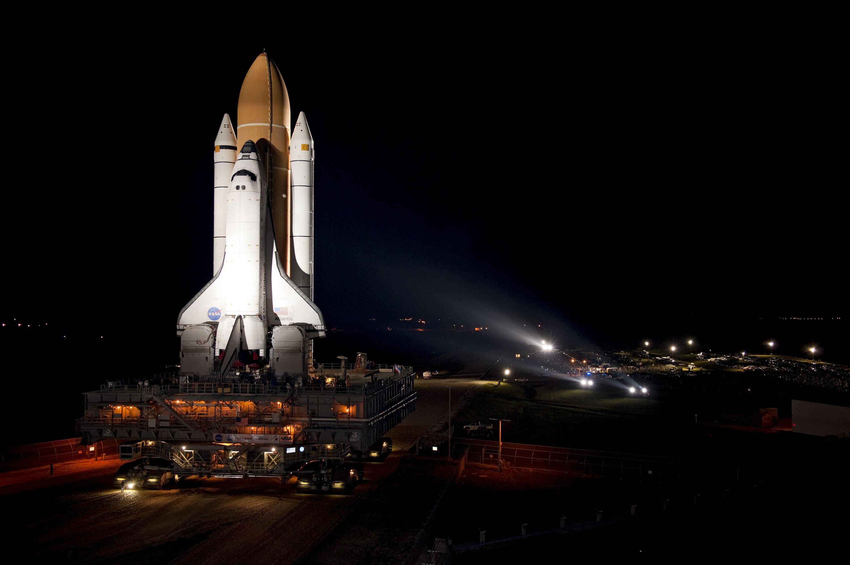 Shuttle Atlantis Takeoff a Space Shuttle Atlantis