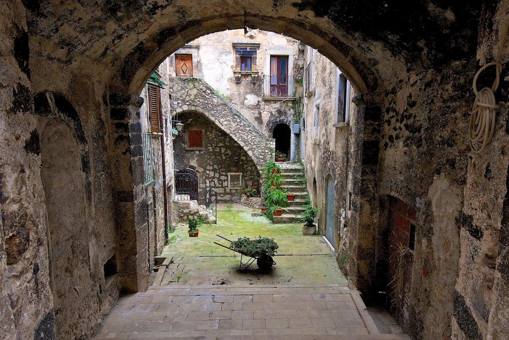 File:Santo Stefano di Sessanio (8191878302).jpg - Wikipedia