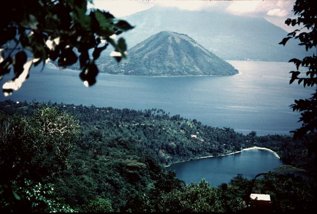 Tidore | https://upload.wikimedia.org/wikipedia/commons/7/7c/Tidore.jpg
