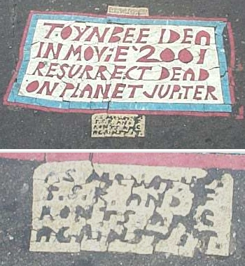 Toynbee_tile_at_franklin_square_2002.jpg