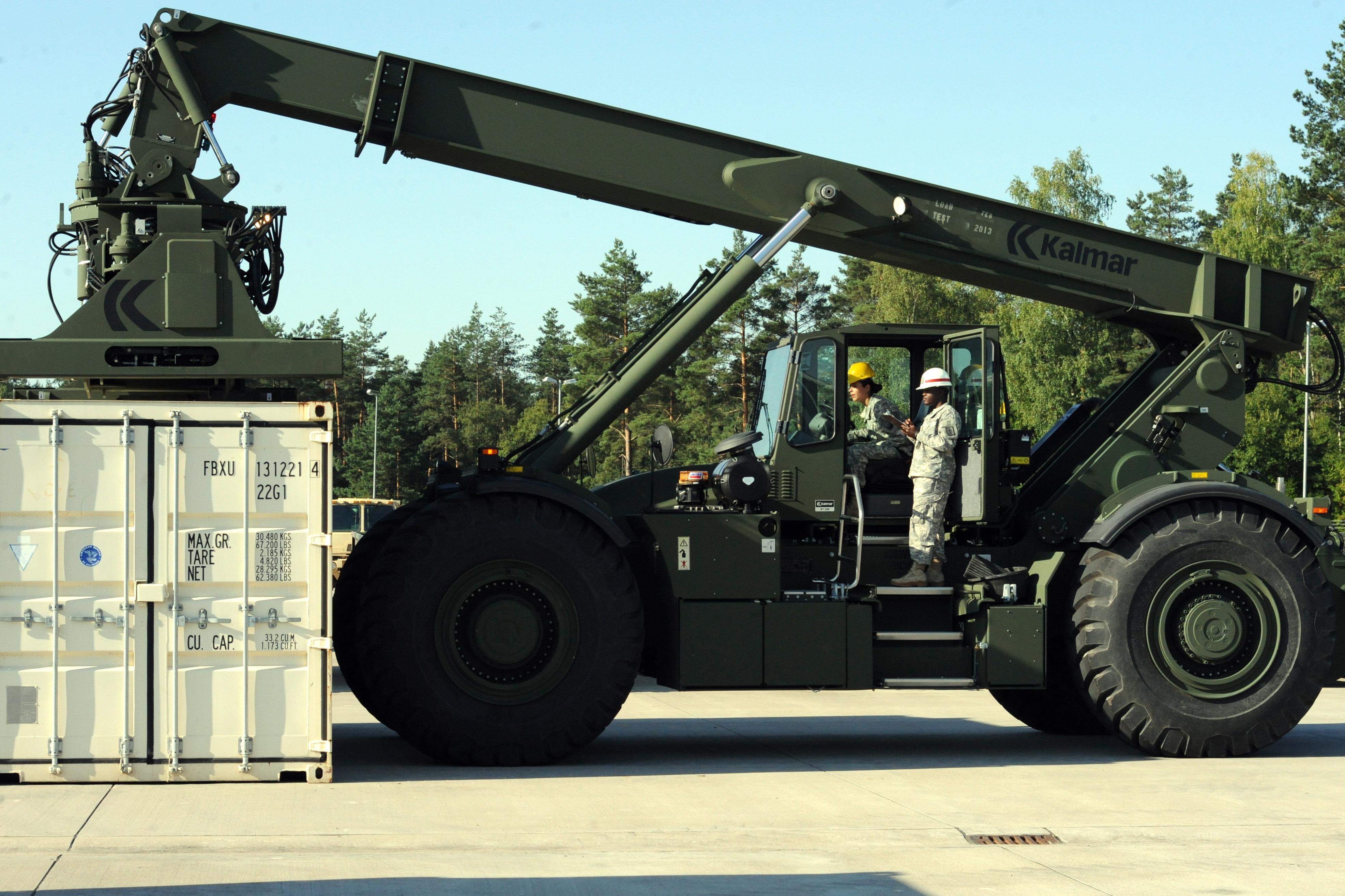 Rough Terrain Crane Wikipedia : File th sb soldiers train with rough terrain container