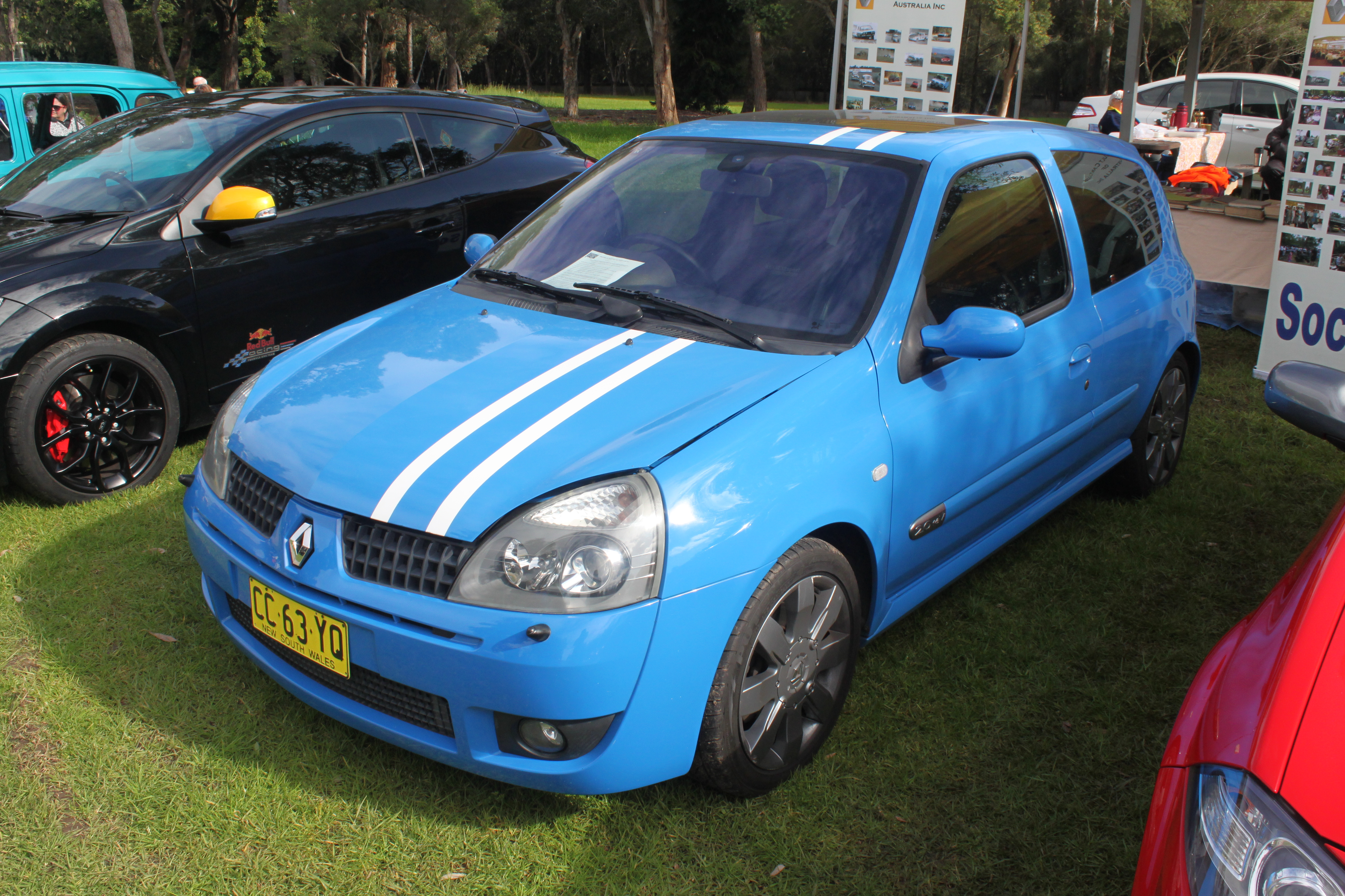 File 2005 2006 Renault Sport Clio X65 Phase 3 182 Cup F1 3 Door Hatchback 19938088655 Jpg Wikimedia Commons