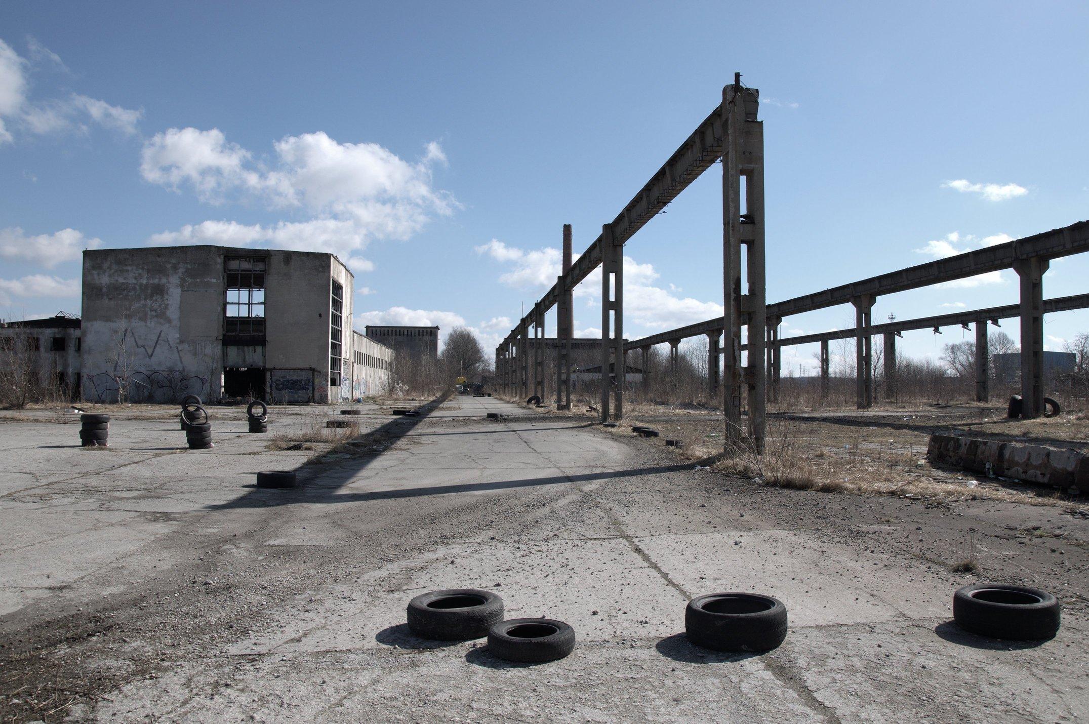 File:Abandoned factory - panoramio (15).jpg - Wikimedia Commons
