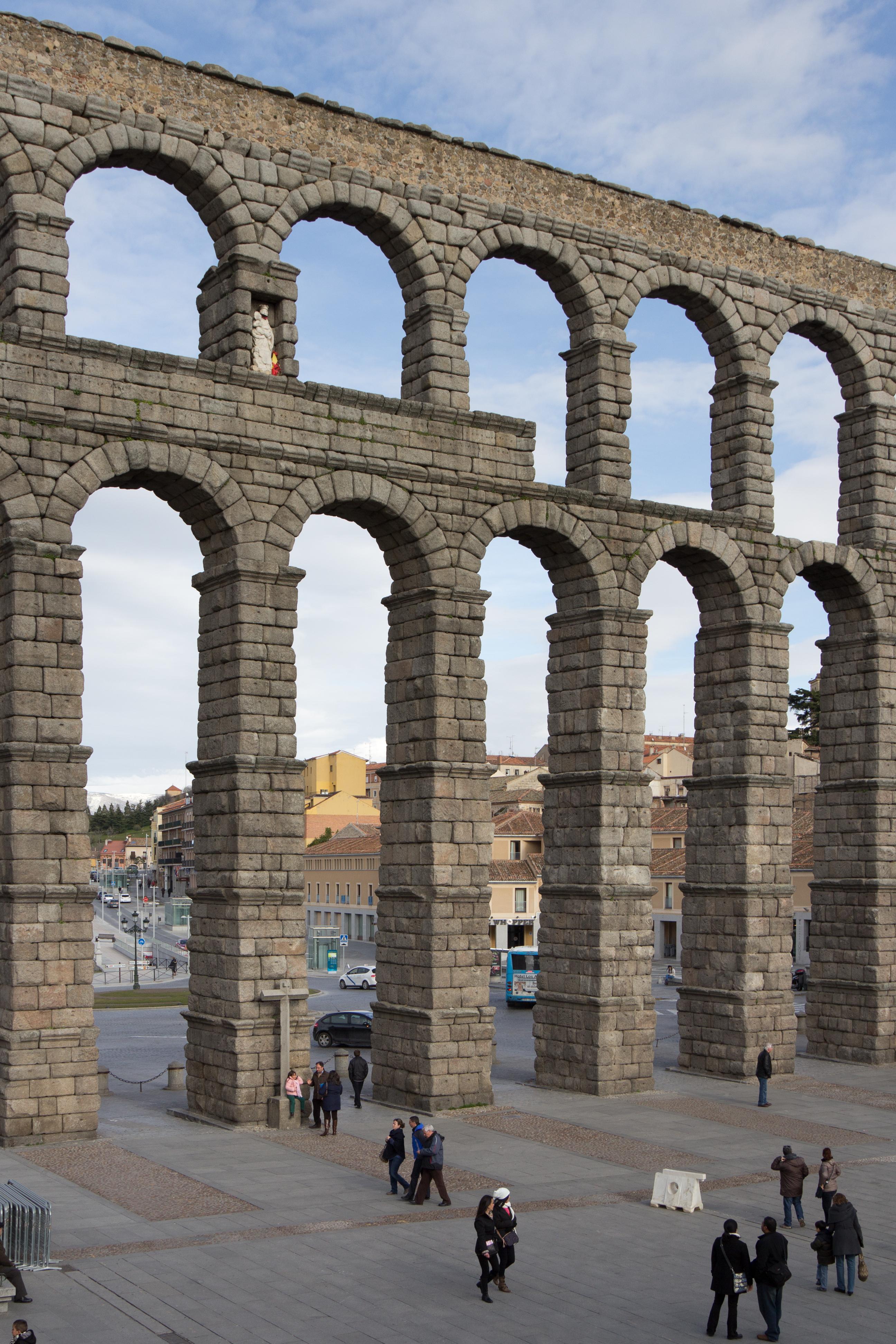 File:Acueducto de Segovia - 15.jpg - Wikimedia Commons