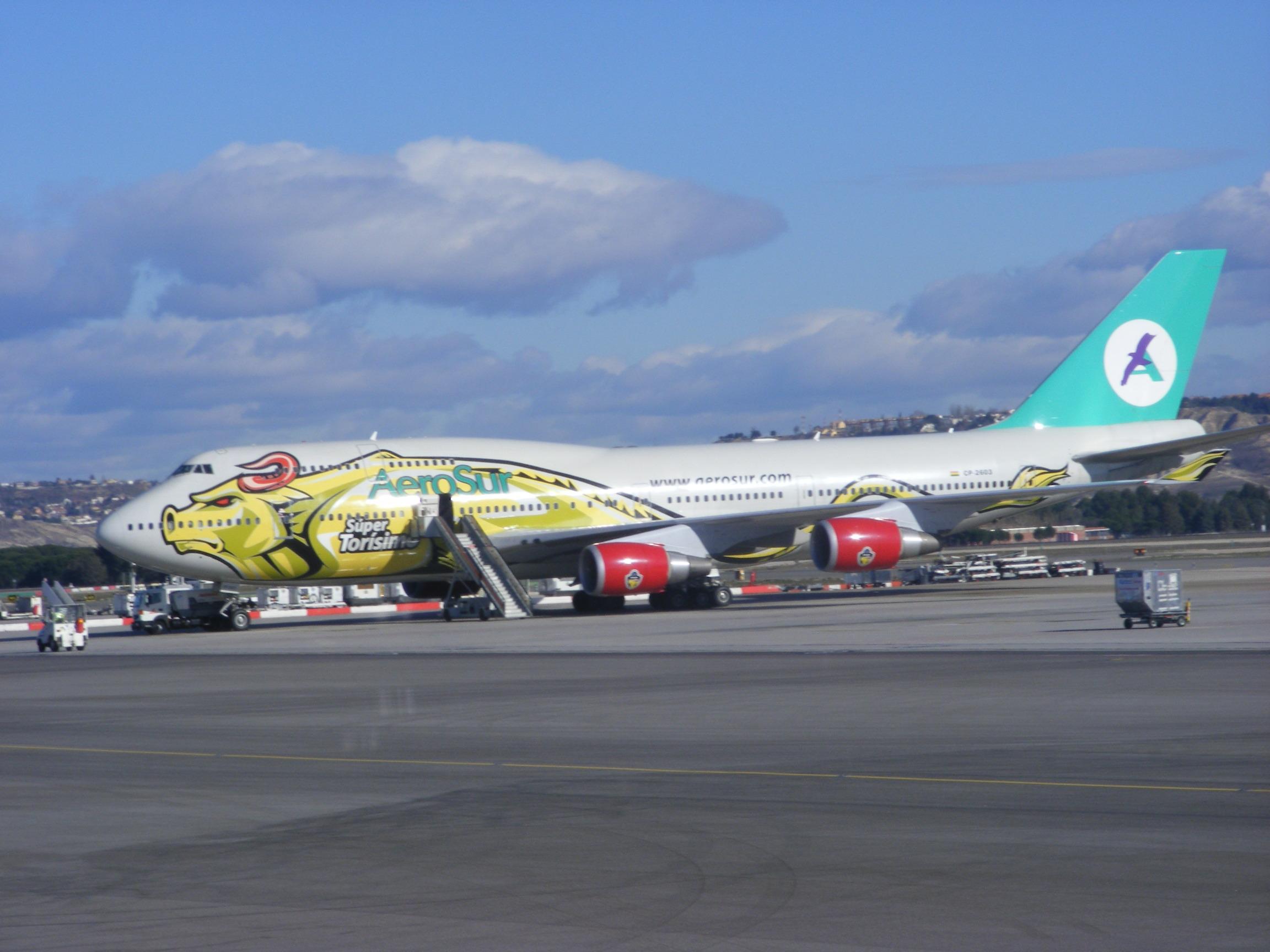 """File:Aerosur Boeing 747-400 CP-2603 """"Super Torismo"""" @ Madrid"""