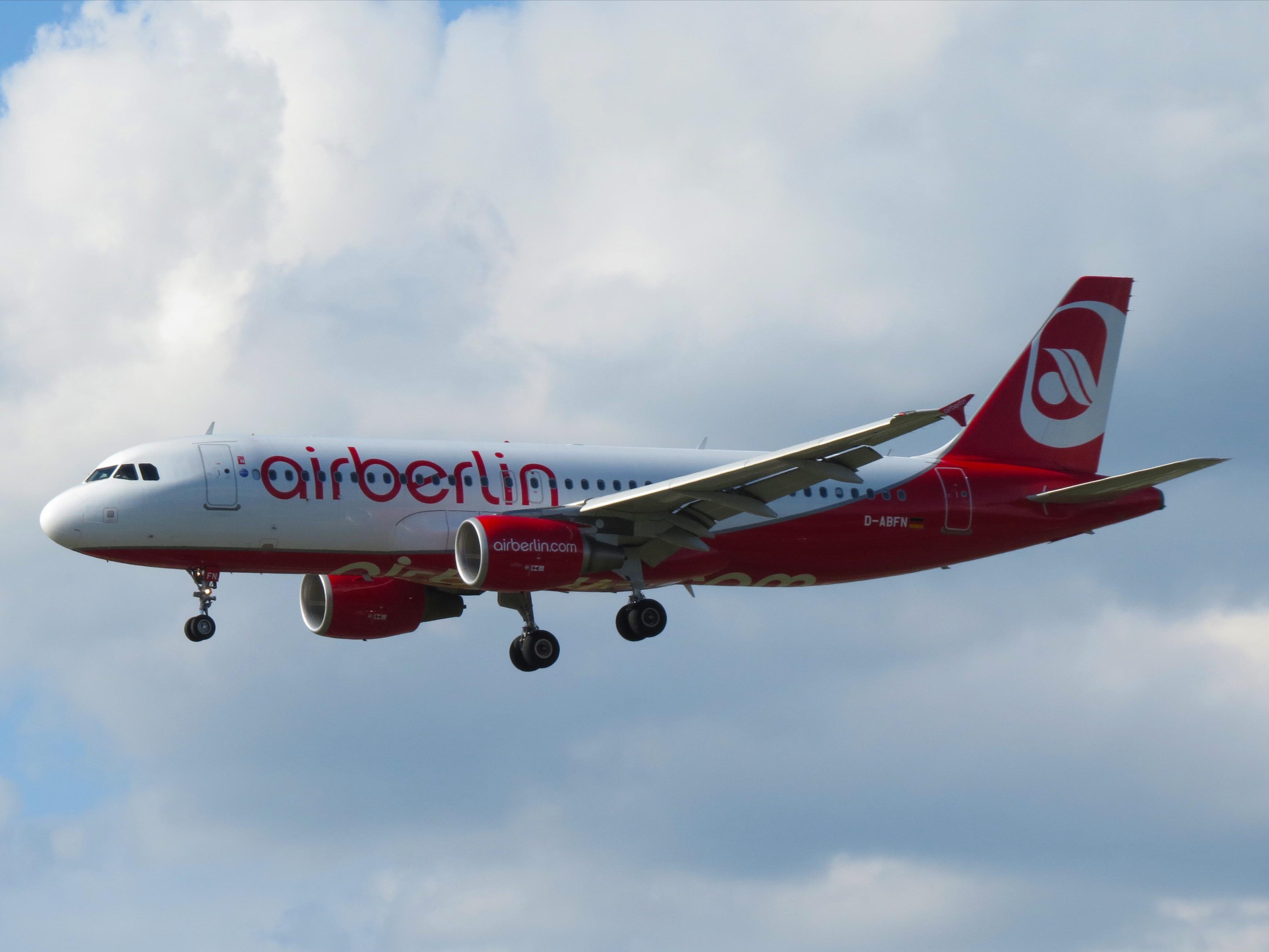 File:Air Berlin, Airbus A320-214, D-ABFN (14187324512).jpg