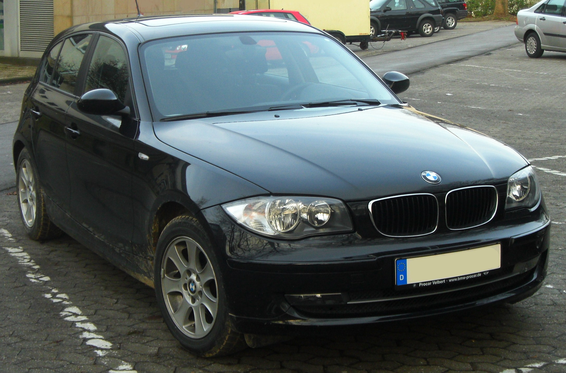 file bmw 1er e87 facelift seit 2007 front mj jpg wikimedia commons. Black Bedroom Furniture Sets. Home Design Ideas