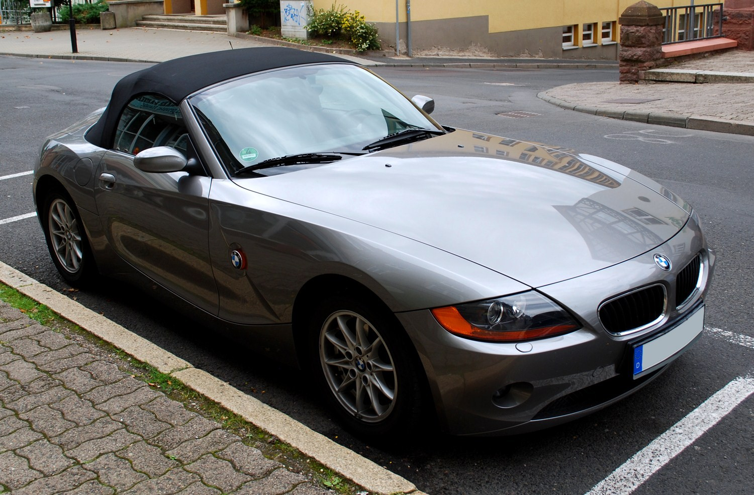 File Bmw Z4 Roadster Jpg Wikimedia Commons