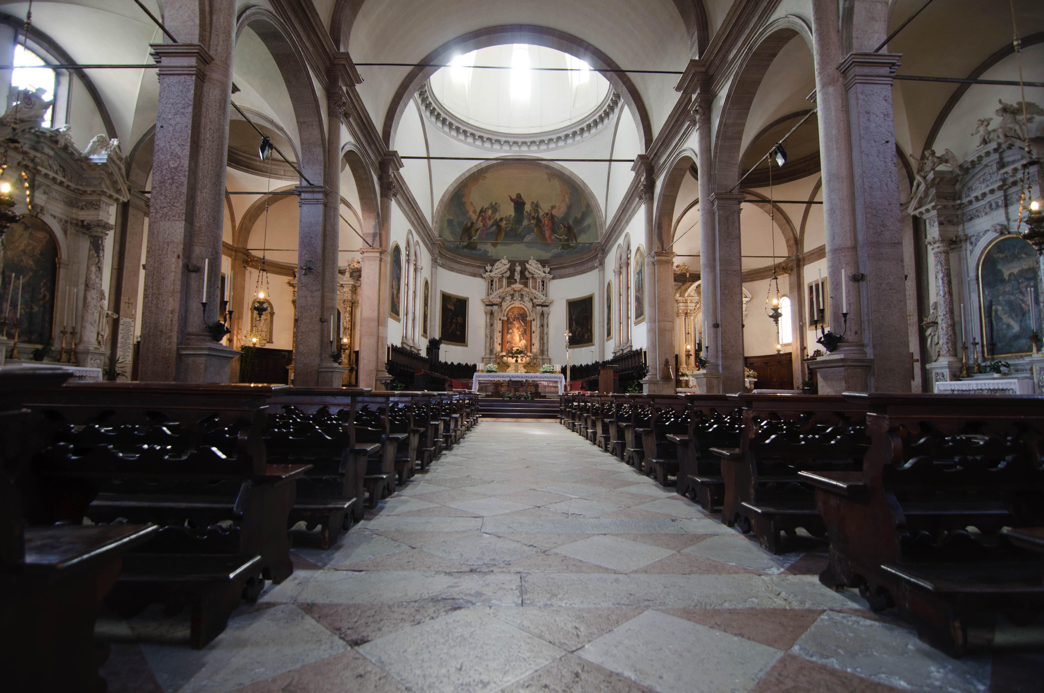 File basilica cattedrale di san martino duomo interno for Interno help