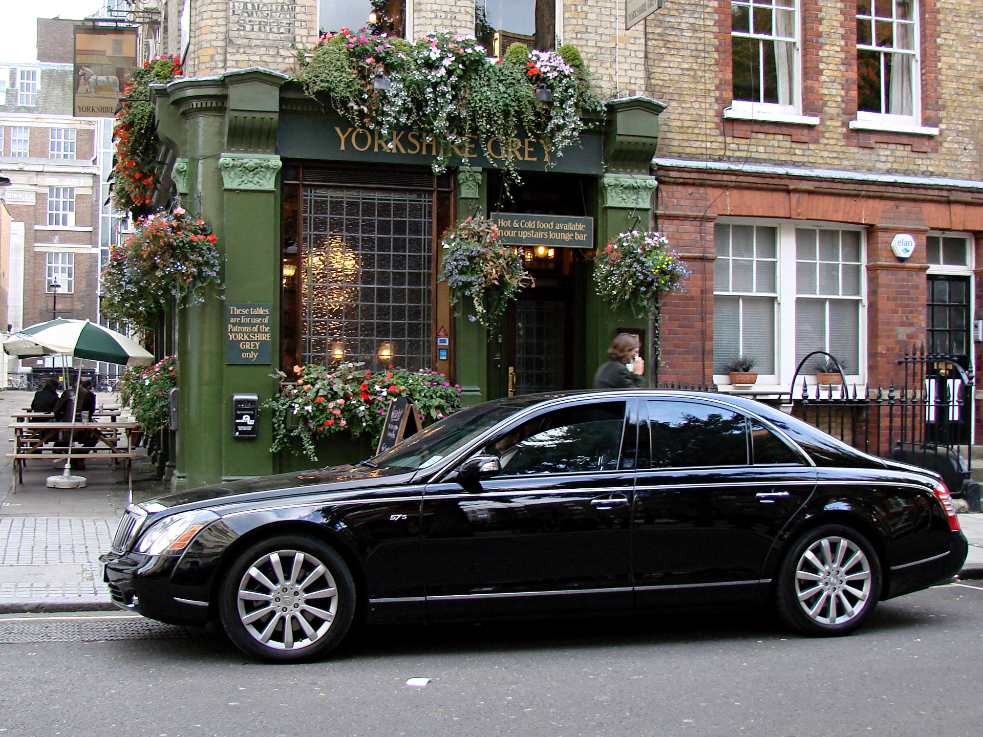 Http Commons Wikimedia Org Wiki File Black Maybach 57s R Jpg