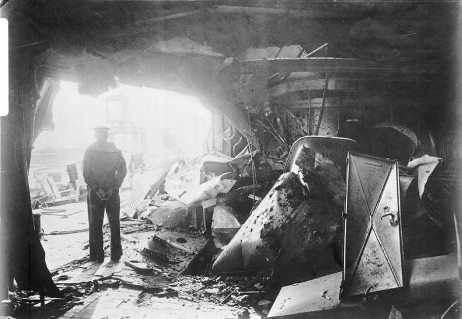 Bundesarchiv_Bild_134-B2100%2C_Panzerkre