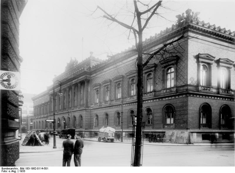 Bundesarchiv Bild 183-1982-0114-501, Berlin, Jägerstraße, Reichsbank