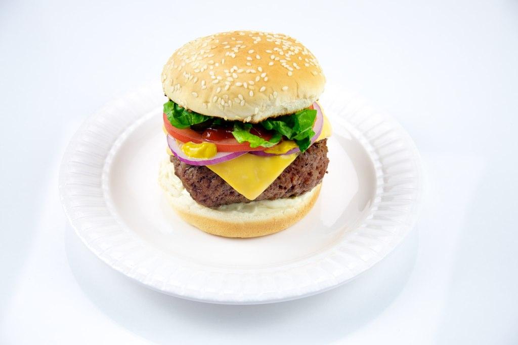 Cheeseburger on a plate.jpg