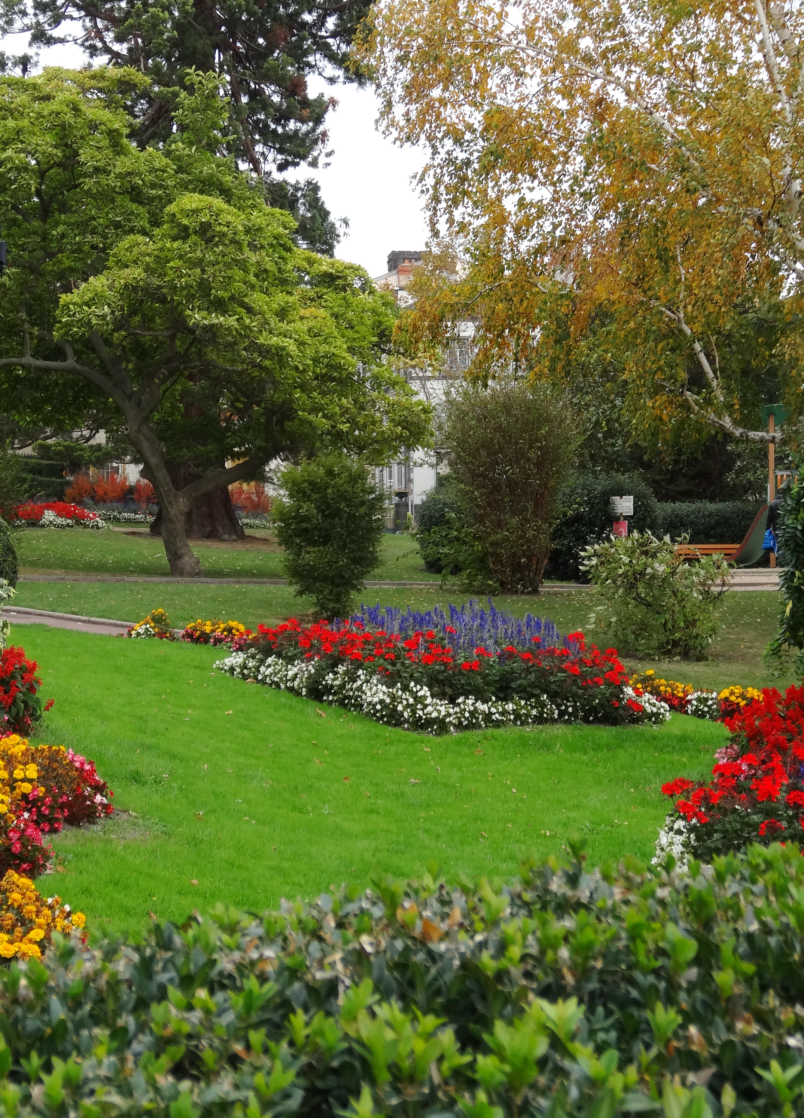 File clermont ferrand jardin lecoq jpg wikimedia commons - Amenagement jardin photos clermont ferrand ...