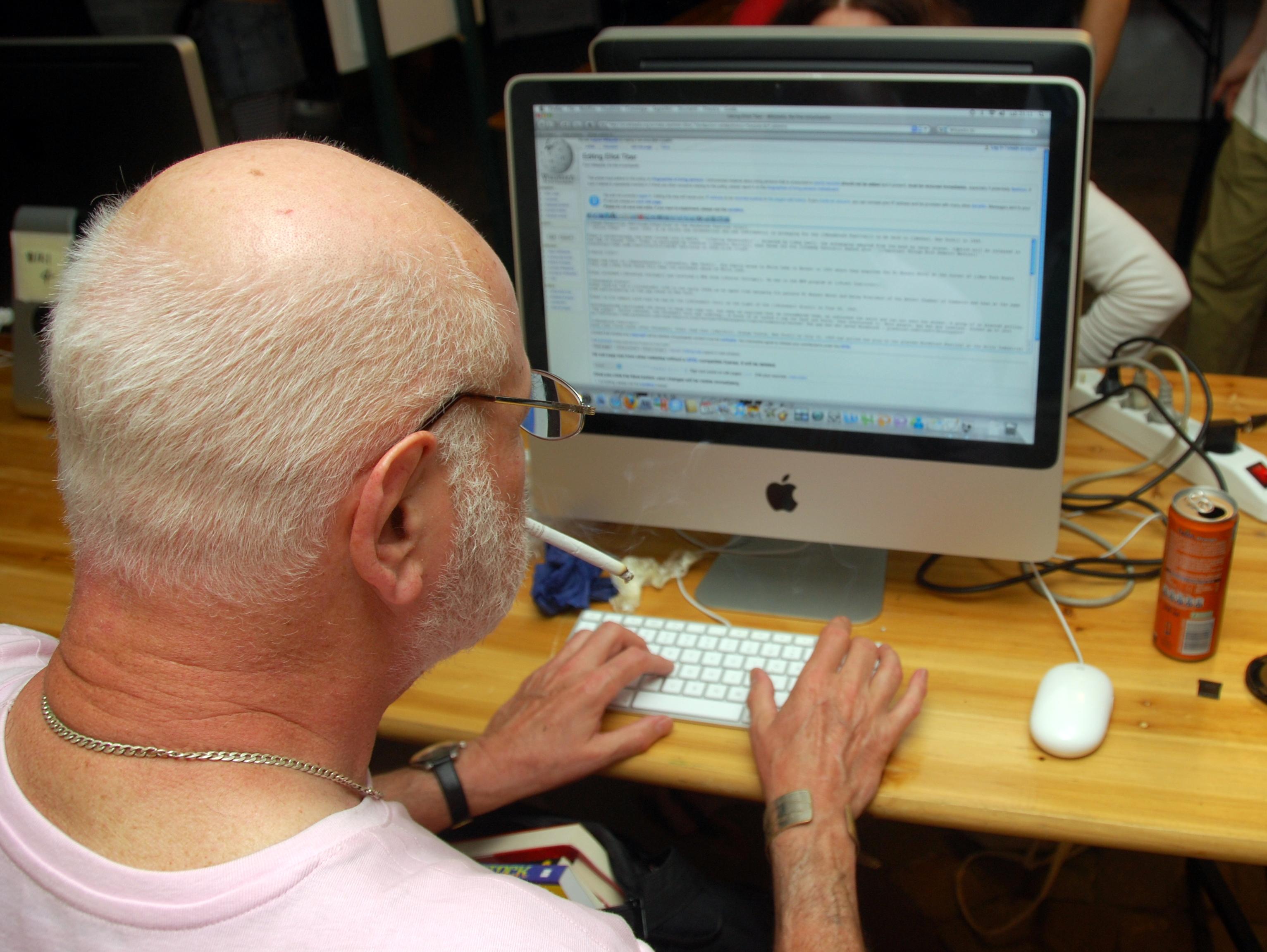 Fileelliot Tiber Editing Wikipediajpg Wikimedia Commons