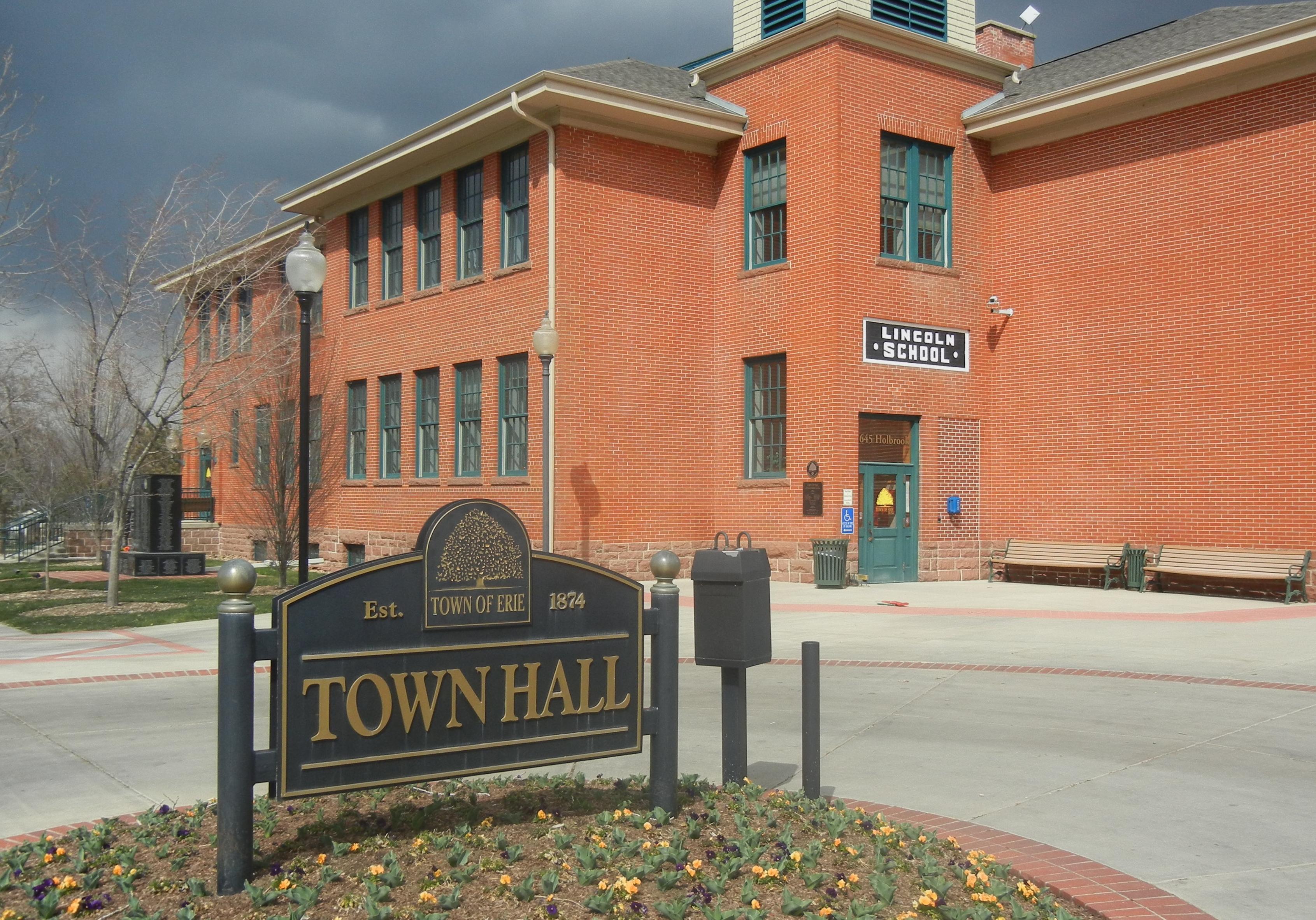 File:Erie CO City Haall.JPG - Wikimedia Commons